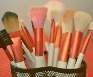 Brushes and make image