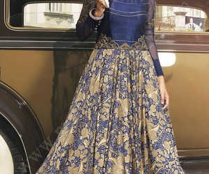 gown online image