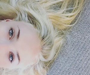 sophie turner, game of thrones, and blonde image