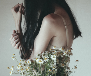 flowers, camomile, and girl image