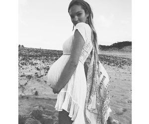 candice swanepoel and pregnancy image