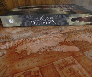 livro, mary e pearson, and the kiss of deception image