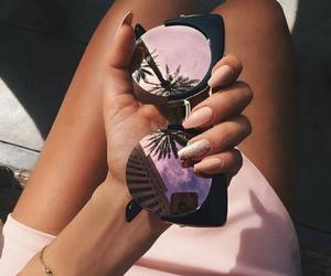 girl, nail art, and óculos image
