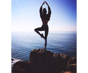 yoga and kendall jenner image