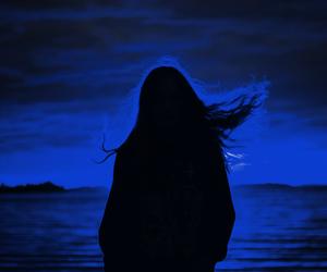 blue, glow, and horizon image