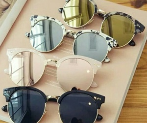 mirror sunglasses image