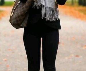 fashion, look, and abrigo image