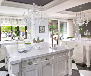 house and kris jenner image