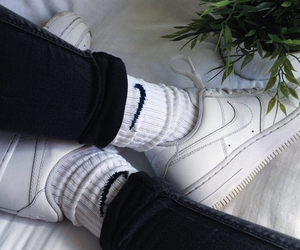 nike, white, and grunge image