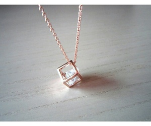 diamond, fashion, and necklace image
