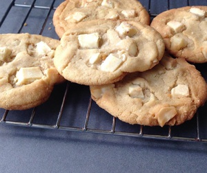 Cookies, white chocolate, and macadamia nut image