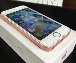 yes, iphone se, and i have the iphone se pink image