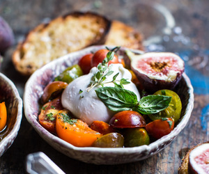 cheese, herb, and burrata image