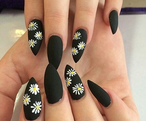 nails black flowers image