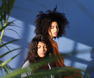 girls and ibeyi image