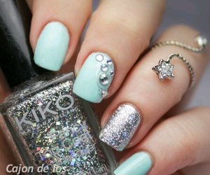 chic, nails, and elegant image