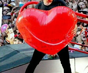 Harry Styles, one direction, and heart image