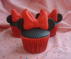 cupcake and minnie mouse image