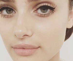 makeup, taylor hill, and Victoria's Secret image