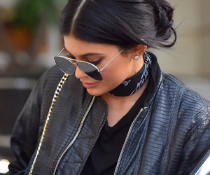 kim kardashian, kloe kardashian, and kendall jenner image