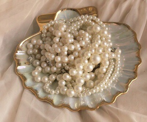 pearls, mermaid, and aesthetic image
