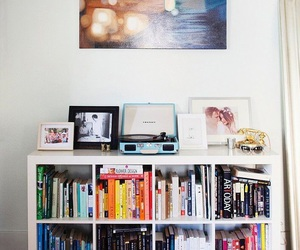 books and decor image