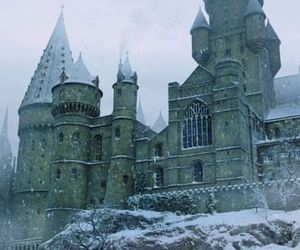 hogwarts, harry potter, and winter image