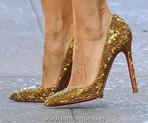 carrie, fashion, and louboutins image