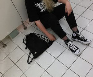 grunge, black, and girl image