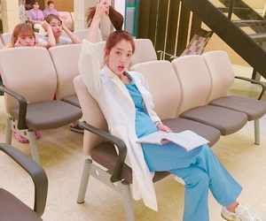 doctors and park shin hye image