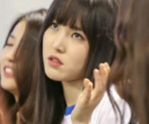 reactions, kpop funny, and yuju image