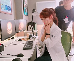 park shin hye, doctors, and hospital image