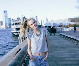 brandy melville and emma delury image