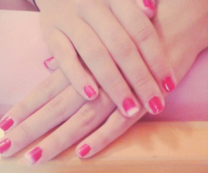 ombre nails image