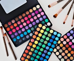 colors, makeup, and brochas image