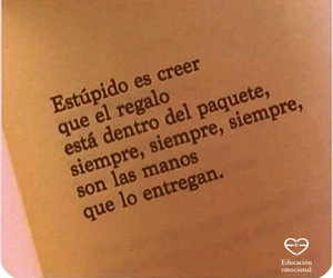 gift, frases, and manos image