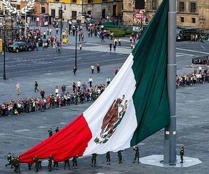 bandera de mexico, ciudad de mexico, and vive mexico image