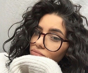 curly hair, tumblr girl, and insta girl image