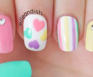 uñas decoradas, heart nailart, and uñas con corazones image