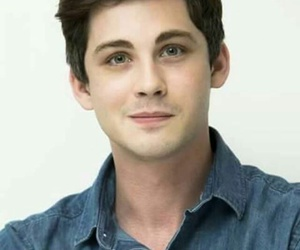 loganlerman and attore image