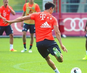 bayern munchen, fcb, and robert lewandowski image