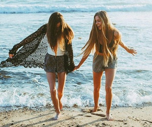 beach, tumblr, and besties image
