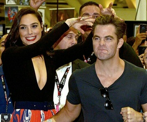 chris pine, justice league, and wonder woman image