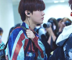airport, boy, and smtown image