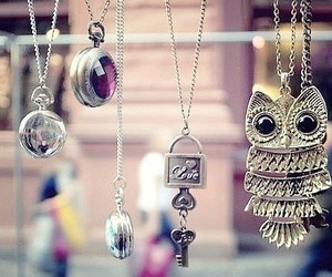 owl, necklace, and key image
