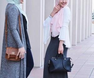 sporty hijab looks image