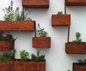 pallet planters, pallet wall planters, and diy pallet planter image