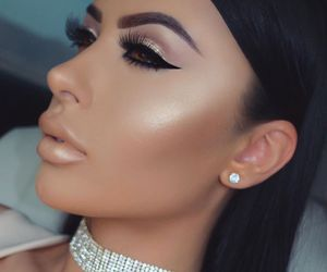 makeup, beauty, and jewelry image