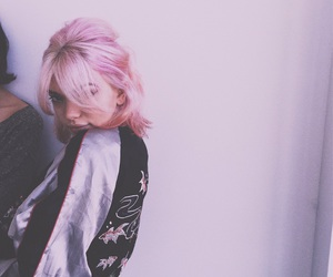 hey violet and rena lovelis image