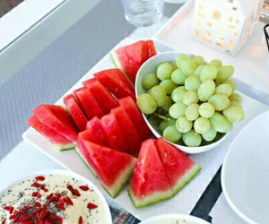 delicious, fruit, and grapes image